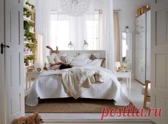 Курс на комфорт: 7 простых шагов к идеальной спальне Как сделать атмосферу домашней, зачем добавлять в интерьер изюминку и почему нужно перестать бояться цвета – делаем самые важные шаги к созданию спальни своей мечты