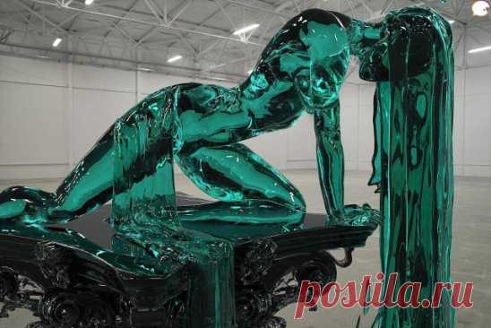 Tremendous sculpture from glass