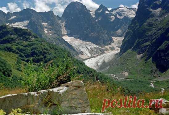 Клухорский перевал. Кавказ. Официальная граница между Абхазией и Россией.