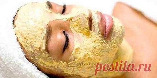 """Очень мощная маска для омоложения в домашних условиях! Эту маску называют """"Минус 10 лет"""" Конечно, можно купить омолаживающую косметику в магазине или посетить салон красоты. Но ведь это никуда не убежит, почему бы не попробовать сделать домашнюю маску? Попробуйте, вам понравится. ПОТРЕБУЕТСЯ: 1/3 спелого, но без коричневых пятен, банана, 1 чайная ложка сухого имбирного порошка и свежевыжатого имбирного сока, 2 чайные ложки оливкового масла (масло авокадо, миндального, арганового…, можно чередо"""