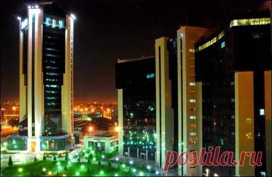 Банк в Ташкенте. И яркие огни.