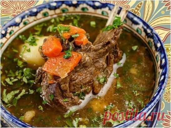 ༺🌸༻ВОСТОЧНЫЙ СУП - ШУРПА  Этот суп пришел к нам с Востока. Он прост в приготовлении и порадует вас и ваших близких своим насыщенным ярким вкусом!  Ингредиенты: Баранина шейка - 0,5 кг Лук репчатый - 1 шт Перец сладкий красный - 1 шт Морковь - 2 шт Картофель - 6 шт Чеснок дольки - 2 шт Кинза - 10 г Укроп - 10 г Помидор свежий - 2 шт