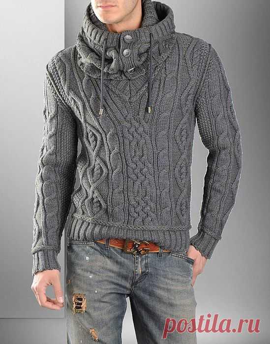 Мужской пуловер со снудом от Dolce&Gabbana.