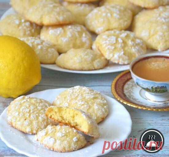 Итальянское лимонное печенье   Ингредиенты:  Лимон — 2 шт. Сливочное масло — 100 гр. Сахар — 160 гр. Яйца — 2 шт. Разрыхлитель — 15 гр. Сахарная пудра — 100 гр.