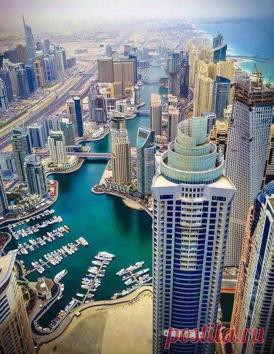 Вид на один из самых раскошных городов мира. Дубай, ОАЭ. ТУРИСТУ НА ЗАМЕТКУ - Если у Вас в паспорте есть виза Израиля, то вас не пустят в ОАЭ. Оформляйте новый.