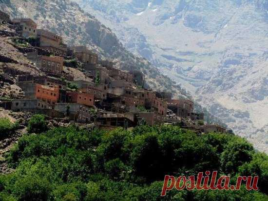 Get back to nature on a hike of the amazing Ourika Valley and get magnificent views of the Atlas Mountains, stunning waterfalls and Berber villages along the way.  https://sunnyexcursion.com/package/3-valley-tour-atlas-mountains/