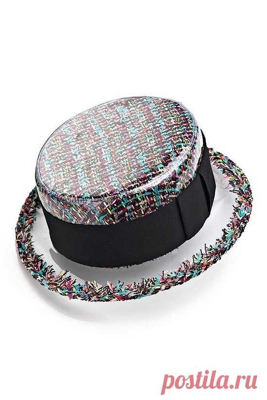 Пластиковая шляпа Chanel 2013 / Головные уборы / Модный сайт о стильной переделке одежды и интерьера