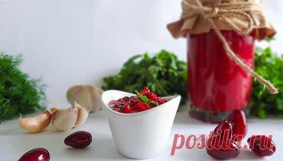 """Соус из кизила (Cornelian Cherries Sauce ). Соусы из кизила представлены во многих национальных кухнях, этот приготовлен по грузинскому рецепту. Соус получается нежным, словно мусс. Он станет для удивительным вкусовым открытием! Попробуйте его с мясом, птицей или рыбой.  Будем признательны за """"Спасибо)"""""""