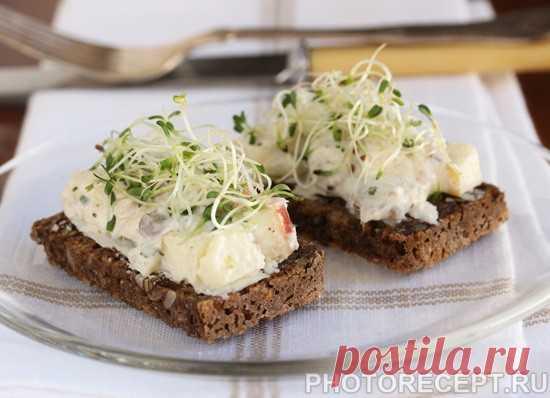 Бутерброды с салатом из сельди и яблока - рецепт с фото пошагово Бутерброды с салатом из сельди и яблока - пошаговый кулинарный рецепт приготовления с фото, шаг за шагом.