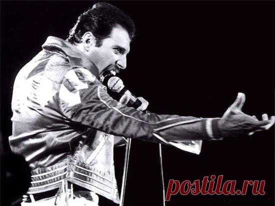 Вокальная партия Фредди Меркьюри «The Show Must Go On» была записана в студии с первого раза, несмотря на его сильную ослабленность из-за прогрессирующей болезни