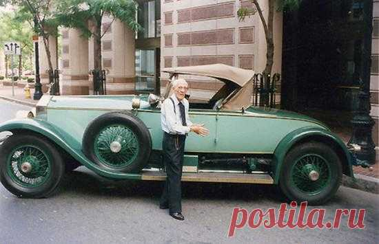 British Allen Swift for 82 years steered one car. It is Rolls-Royce Picadilly P1 Roadster of 1928 of release acquired for it by his father …