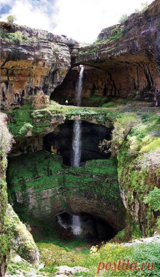 Фантастическое творение природы! Природе потребовались сотни лет,  чтобы сформировать такое чудо! Около 250 метров высота водопада! Водопад Баатара, Ливан