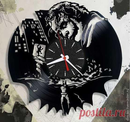 Часы из виниловой пластинки Джокер против Бэтмена – купить в интернет-магазине на Ярмарке Мастеров с доставкой - BWVV5RU | Новосибирск