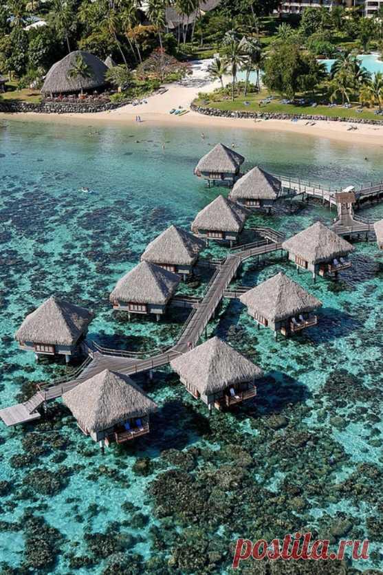 Надводные бунгало. Остров Таити