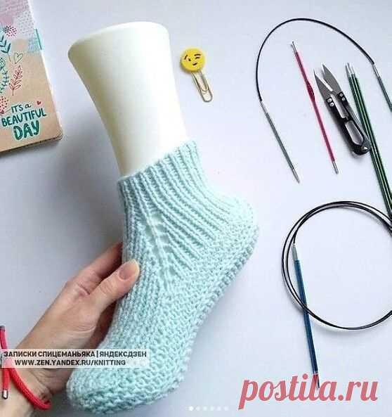 Красивые носки резинкой Красивые носки резинкойНоски резинкой можно связать на круговых и чулочных спицах.