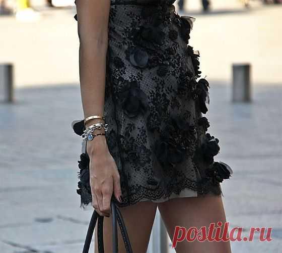 Кружевное платье с декором / Фактуры / Модный сайт о стильной переделке одежды и интерьера