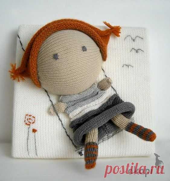 Las muñecas por las manos de los calcetines, la foto, la instrucción