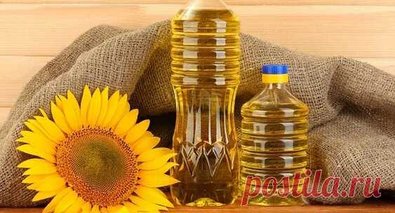 Онколог рассказал об опасности рафинированного подсолнечного масла: Яндекс.Новости Рафинированное подсолнечное масло повышает риск развития онкологических заболеваний. Об этом сообщает Lenta.ru со ссылкой на хируга-онколога Иван Карасев в своем Instagram.Эксперт отметил, что этот продукт во время рафинирования обрабатывается химическими веществами, например, бензином и гексаном.