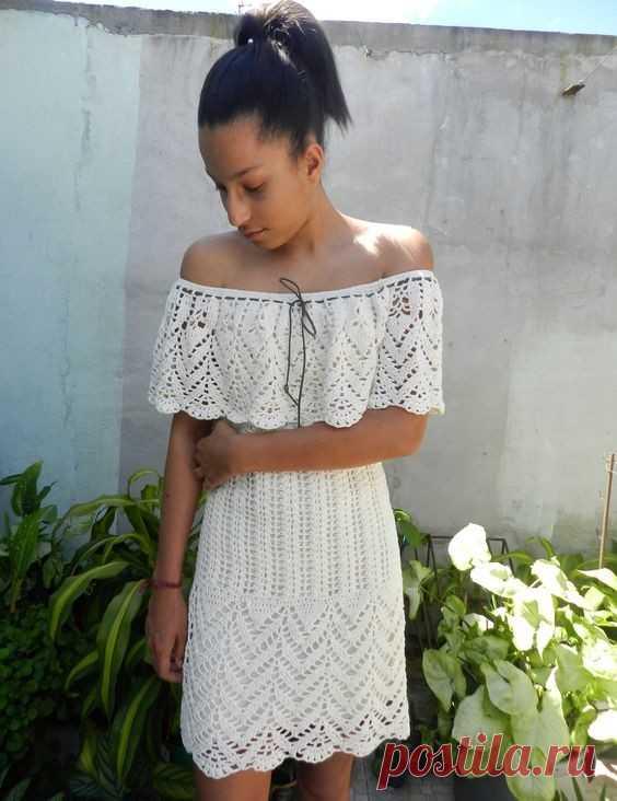 Роскошное летнее платье со спущенными плечами. Схемы вязания крючком