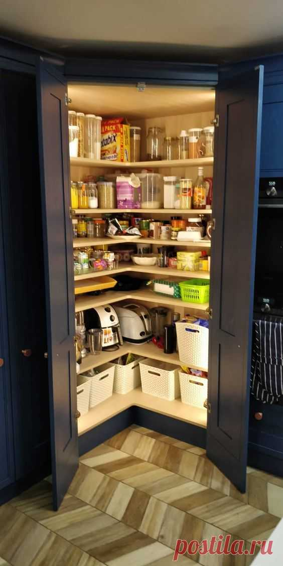 """In-frame Style Shaker Kitchen in Farrow & Ball Hicks Blue Area = Redhill, Surrey Door Style = In-frame Shaker, Ash in Farrow & Ball """"Hicks Blue"""" Worktops = 30mm Cambria Brittanicca £7500…"""