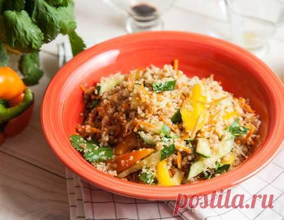 Теплый салат с киноа и овощами - рецепт приготовления с фото от Maggi.ru