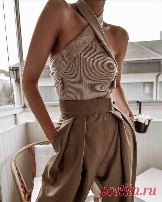 5 стильных сочетаний в стиле минимализм: как одеваться лаконично и элегантно ➡️Кликайте на фото, чтобы прочитать статью