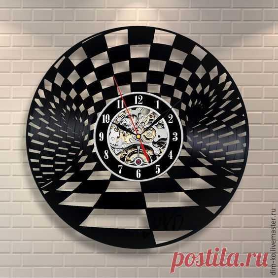 Часы настенные из пластинки Шахматное время – купить в интернет-магазине на Ярмарке Мастеров с доставкой Часы настенные из пластинки Шахматное время - купить или заказать в интернет-магазине на Ярмарке Мастеров | Часы изготовлены из старых виниловых пластинок.