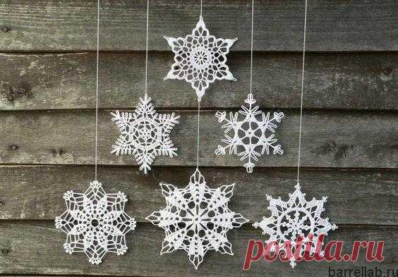 Ажурные снежинки крючком схемы. Схемы вязания снежинок ажурные.