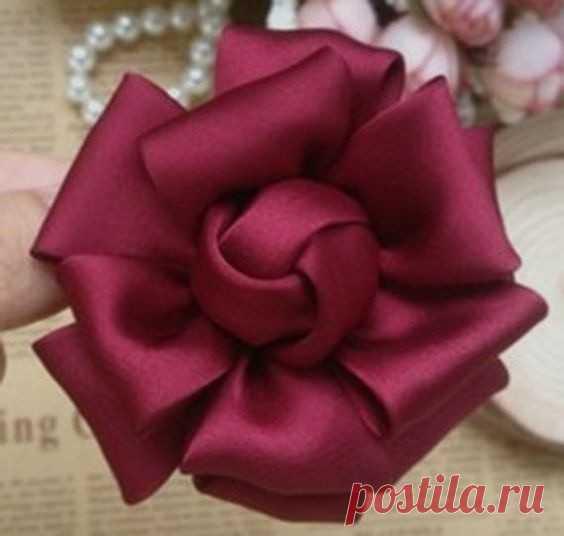 Красивые цветы из лент