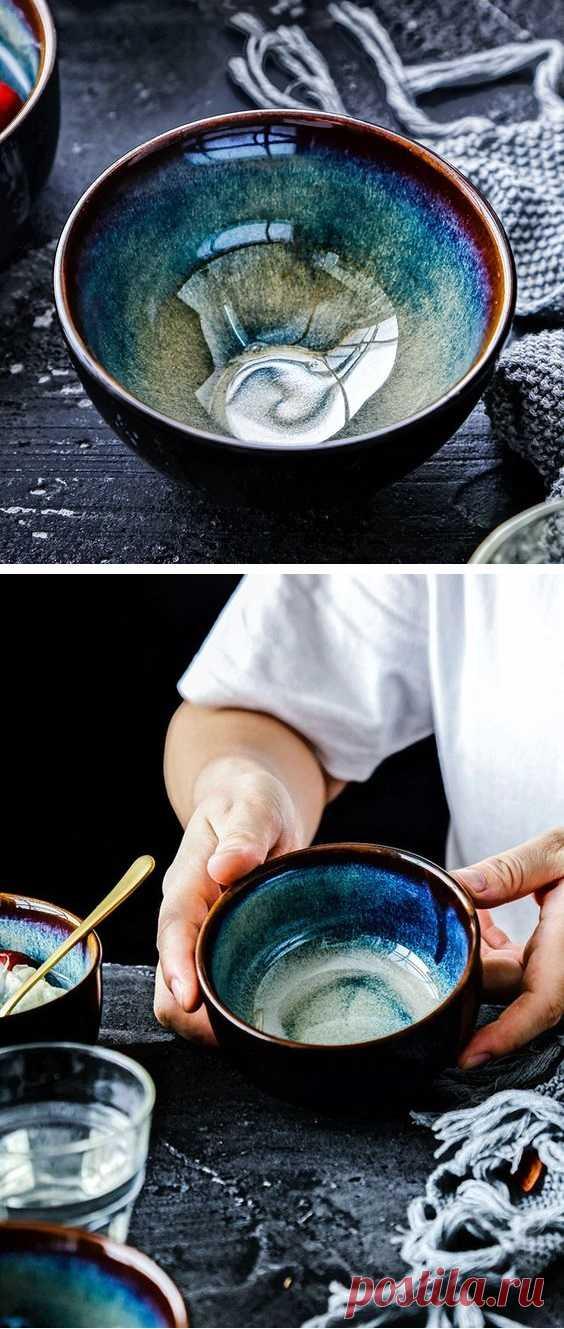Глубокая суповая тарелка красивого сложного сине-зеленого цвета