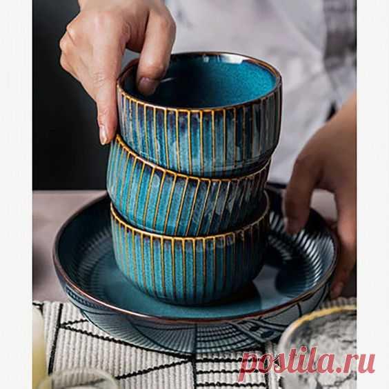 Глубокие миски красивого сложного сине-зеленого цвета