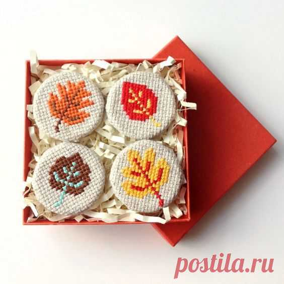 Осенняя вышивка крестом: бесплатные схемы