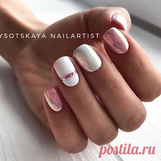 Нежный дизайн коротких ногтей