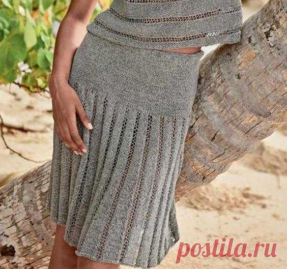 Вязаная юбка спицами А-силуэта с ажурными дорожками
