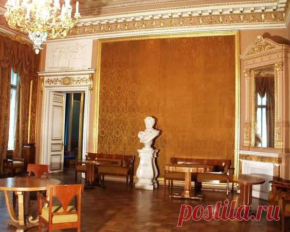 The yellow room Anichkov Palace\/Deirdre Cece was kept by Ping on a board of \