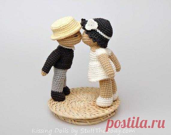 Жених и невеста, схема вязания крючком Скачайте схему вязания игрушки Жених и невеста в PDF.