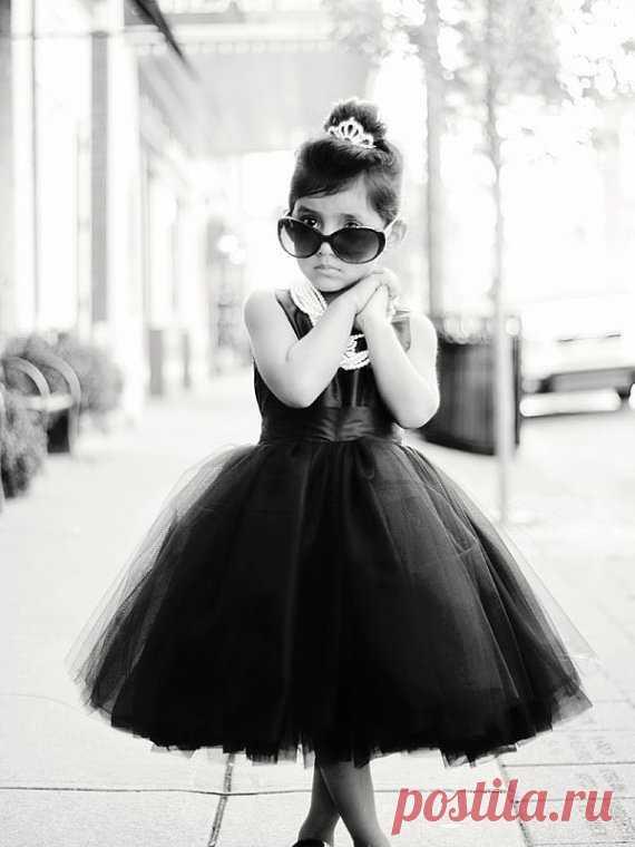El vestido pomposo para el baile
