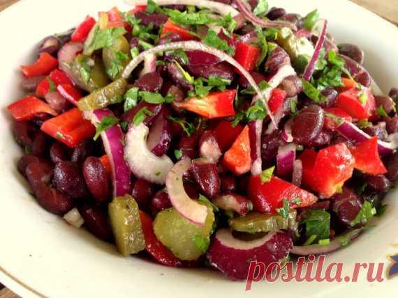 Салат с фасолью и солеными огурцами / Овощные салаты / TVCook: пошаговые рецепты с фото