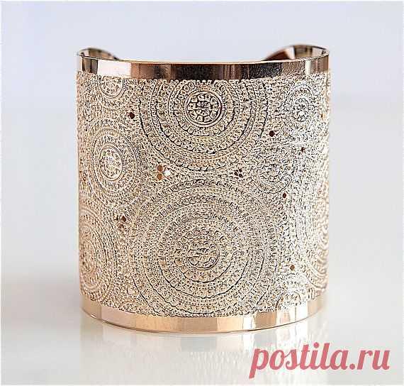 Объемный браслет - $145.00 USD