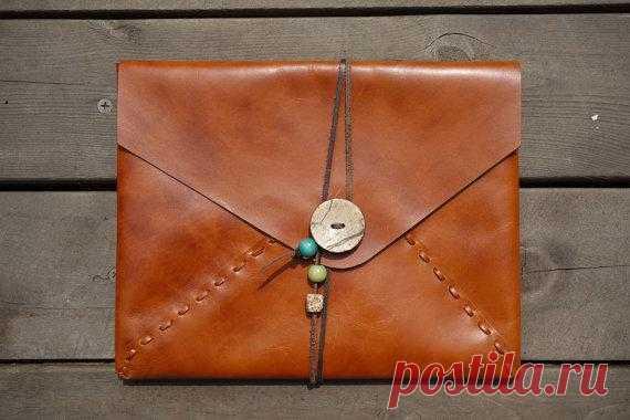 Необыкновенно стильный чехол для Ipad. $76,33 USD