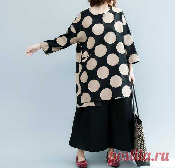 Women Oversized blouse, casual long shirt, Loose gown, women top 【Fabric】 cotton 【Color】 black 【Size】 Shoulder width 55cm / 22 Bust 120cm / 47 Sleeve length 36cm / 14 Length 81cm/ 32    Have any questions please contact me and I will be happy to help you.