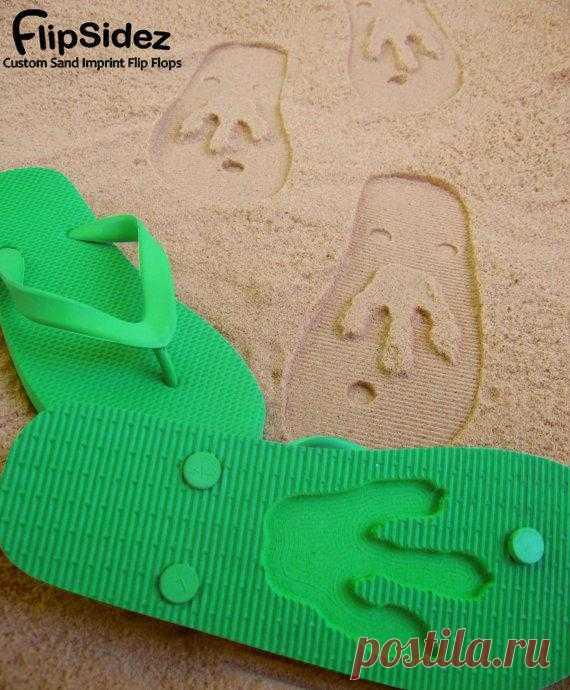 Забавные следы на пляже