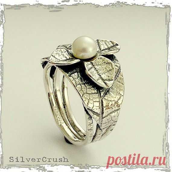 Серебряное кольцо с жемчуженкой - $84.00 USD