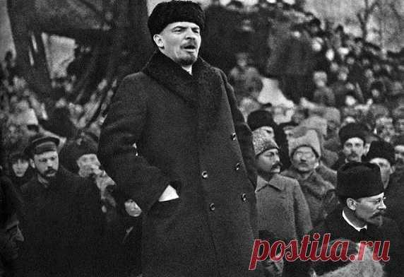 Большевики не только втянули Россию в хаос и междоусобицу, но и способствовали положительным преобразованиям во всех сферах жизни. Благодаря советской власти население получило немыслимые в царское время права и возможности.