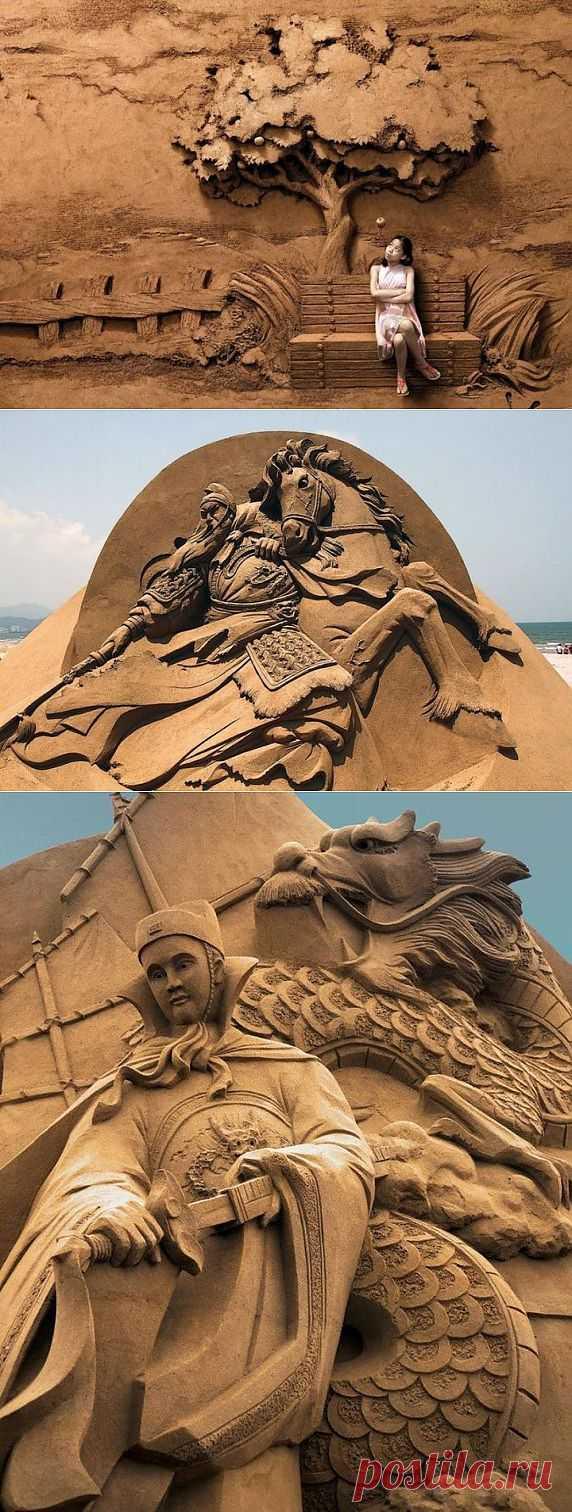 (+1) - трехкратный чемпион мира в создании скульптур из песка. | Искусство