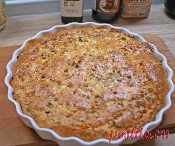 Заливной пирог для любой несладкой начинки Заливной пирог для любой несладкой начинки  Предлагаю простой рецепт для пирога с практически любой начинкой.  Я люблю с рыбкой, особенно семгой. Делала с рисом, грибами, луком, овощами... Приготовление пирога очень простое: тесто жидкое, половина выливается в форму, сверху начинка и затем все заливается второй половиной теста.  Способ приготовления и состав продуктов на сайте http://goldenrecipes.ru/zalivnoj-pirog-dlya-lyuboj-nesladkoj-nachinki/