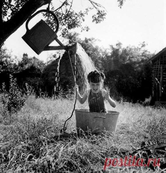 Идейка для дачного душа из советских фотографий.