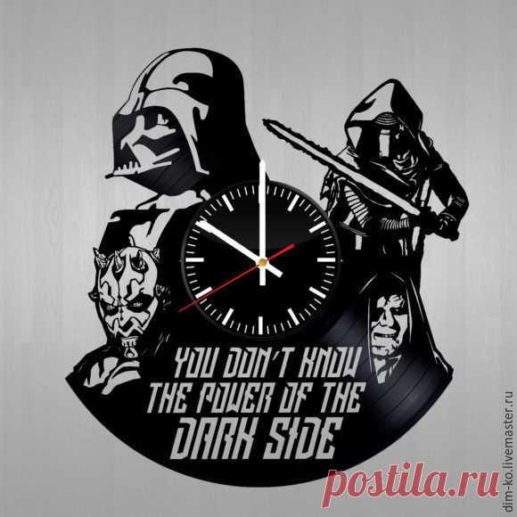 Часы настенные STAR WARS – купить в интернет-магазине на Ярмарке Мастеров с доставкой Часы настенные STAR WARS - купить или заказать в интернет-магазине на Ярмарке Мастеров | Часы изготовлены из старых виниловых пластинок.