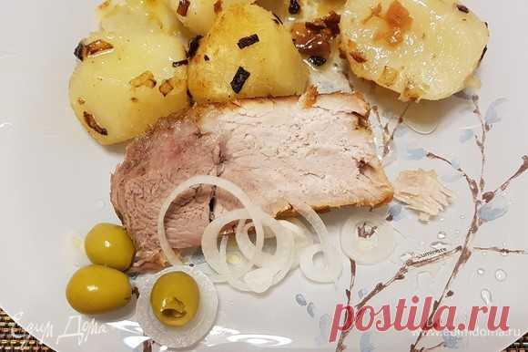 Свинина, томленная в сливочном масле. Ингредиенты: свиная мякоть, сливочное масло, чеснок