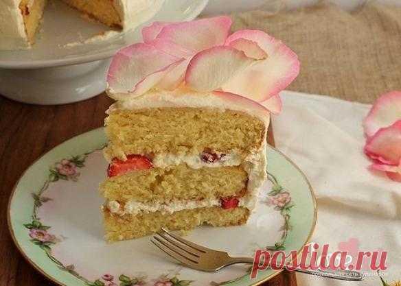 Розовый торт с клубникой и белым шоколадом - Loveeat - социальная сеть кулинаров